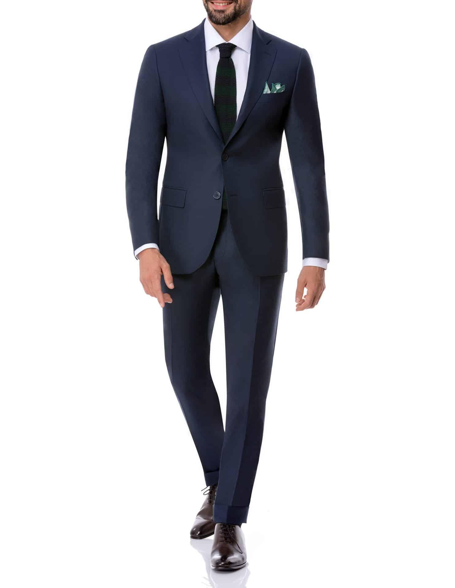 dunkelblauer Business-Anzug