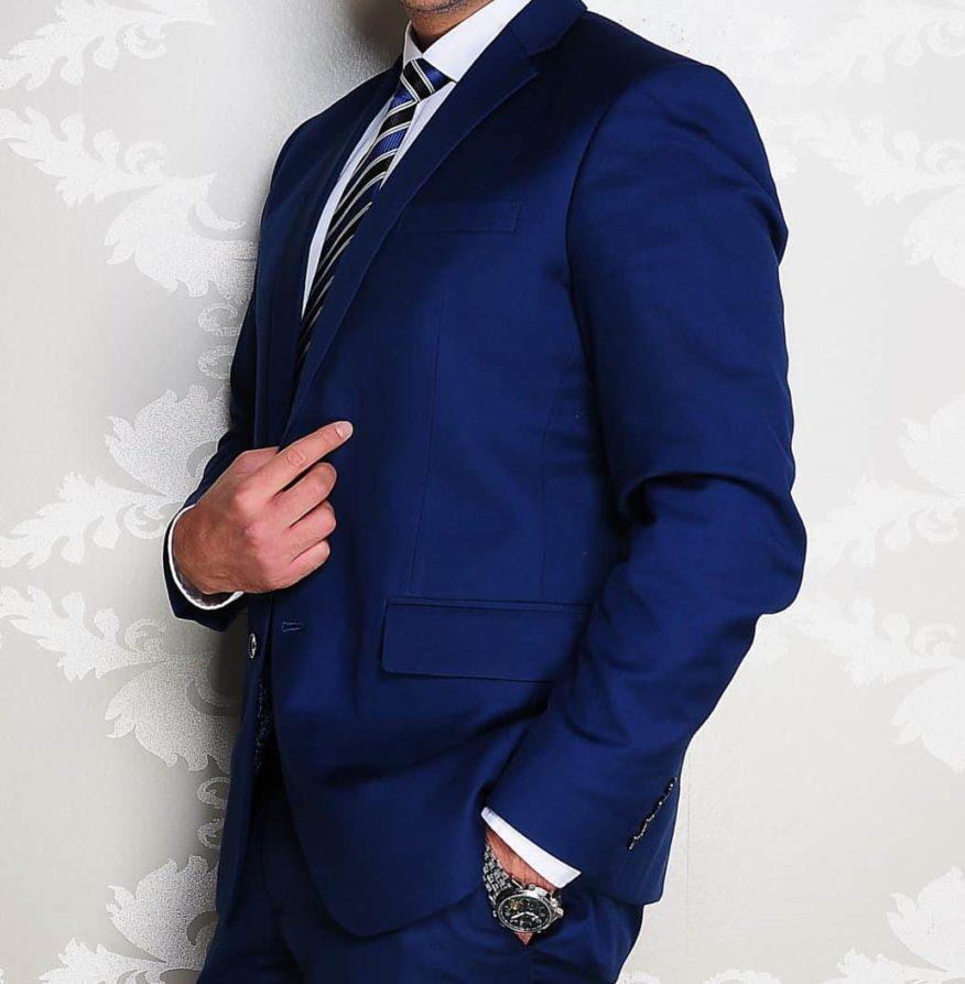 Business-Anzug blau